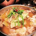 柳苑 - 具の量は控えめでもスープたっぷり!                             こちらは醤油味です。                             色は淡くて薄味そうでも、なかなかしっかり味でした。