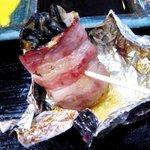 風来屋 - 牡蠣のベーコンまき