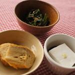 風流カフェ - お惣菜3品。ごま豆腐と卵焼きとほうれん草おひたし。