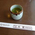 とんかつ大関 - お茶のサービス