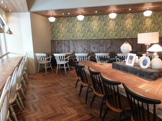 ホノルル コーヒー 三宮店 - 2階