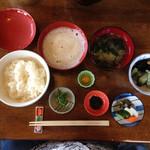 食事処 里味 - ランチ  とろろめし  ¥980 美味しかった〜!