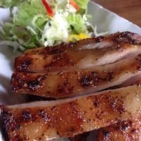 ラープ9 - コー・ムー・ヤーン(豚くび肉のグリル焼き)