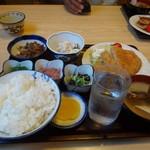 まつや食堂 - 料理写真:かつ定食1050円