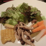 ワインバー カデンツァ - 前菜4品、サラダよね。