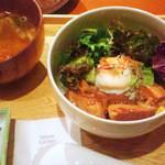 ナチュラルキッチン麹 - 豚角煮丼(2012年7月撮影)