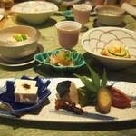 玉之湯 - 前菜:信濃旬彩盛り 新緑に包まれて