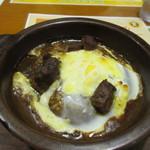 伽哩本舗 - そして私の頼んだビーフ焼きカレー、見た目はお肉の色や形以外はほぼポークと一緒ですね。