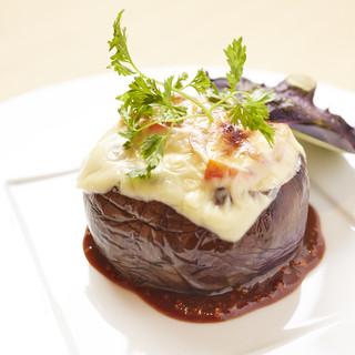 旬の食材を使用した創作懐石料理