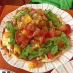 Garten Cafe ぶ楽り - 料理写真:暑い夏は、  トマトいっぱいビザだ!