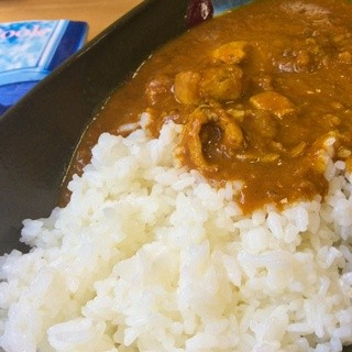 ソマリアン - 料理写真:ソマリアン名物で、矢部村名物でもあある【ソマリアンカレー】。ビーフの甘口と辛口、インドカレーの3種類があり、大人もお子さまも恋愛カップルもみんなで楽しめる美味しいカレーなんです ( ´ ▽ ` )ノ