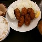 かつふじ - 牡蠣フライ定食 907円 2014/07