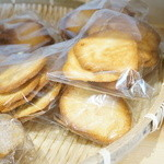 ブーランジェリー・アンプ - アーモンドチュイル(クッキー)(200円/袋)