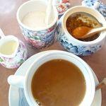茶房平 - 砂糖は2種、ミルクはクリーム