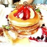 代官山パンケーキカフェClover's - サプライズバースディ