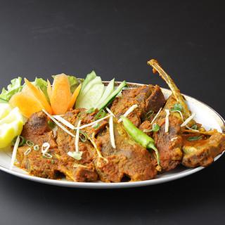 本場のインド料理を日本の方に合わせたオリジナル料理