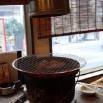 炭焼和牛 七福 - 七輪