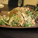 いざか屋若蔵 - 焼き豚とせんぎりきゃべつのぴり辛サラダ