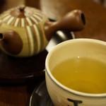 八女茶販売・喫茶 伽藍堂 - セットの玄米茶