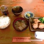 魚串 ねぶと屋 - これで¥500円お味噌汁はあら汁