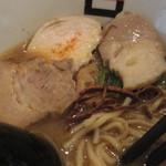 麺処hachi - チャーシュー3種