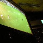 フィンマクールズ 大崎 - 店内ではサッカー中継が