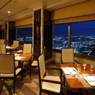 夜景を眺めながら至福の中国料理を...