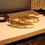 手打ち蕎麦 成冨 - 稚鮎の天ぷら