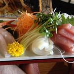 お食事処 かね光水産 - アジフライ定食の刺身盛り