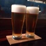 鳴尾山芋研究所 フラットブッシュ - 生ビールはアサヒスパドラ¥500