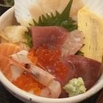 ご当地酒場 北海道八雲町 - 豪華!海鮮丼