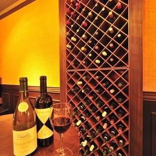 常時約40種類のヨーロッパを中心とした世界のワインを常備!!