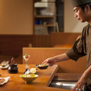大阪の名店で修業した店主が織り成す創作和食