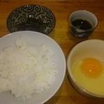 煮干しそば 暁 - ランチタイム無料半ライス+生卵50円