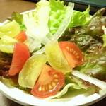 29321917 - 期間限定 こだわり野菜の彩りサラダ(さっぱり和風ドレッシング)\220