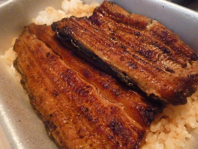 うなぎ しら澤 - 絶妙な焼き色、身のしっかりした鰻