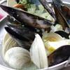 ムール貝と白ハマグリのワイン蒸し