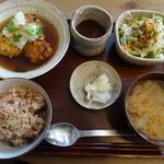 びお亭 - お豆腐団子の定食(860円)