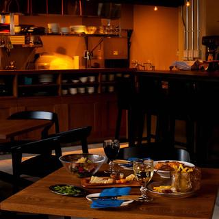 バルとは・・・『カフェ』+『居酒屋』のような自由な空間です☺