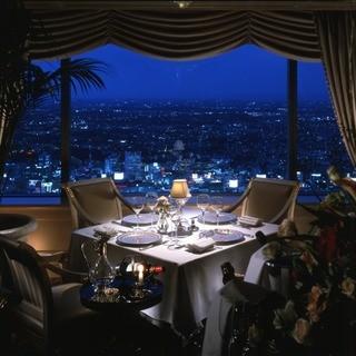 【おしゃれな雰囲気】絶景を愉しみながら味わう美食の空間