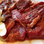 焼肉 桃苑 - まかない肉(手前)とヒレ身スジ