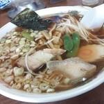 ラーメンハウス - 料理写真:ラーメン大盛♪【450円+100円】