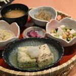 とろ麦 - 2014/07 二色の揚げ出し豆腐UP 1,274円