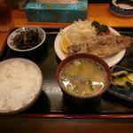 居酒屋神田川 - 料理写真:日替わり定食、650円