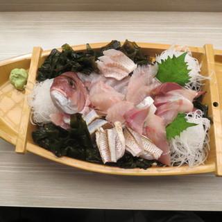毎日新鮮なお魚をご提供しております。
