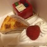 SWISS - 料理写真:フランボワーズ、チーズケーキ、ショートケーキ