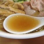 ら・DON - あっさり醤油らーめんのスープ 甘い味付けが最高!