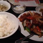 中国酒菜 好来 - 黒酢すぶたの定食@750円