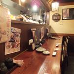 炉ばた情緒かっこ - カウンター席とテーブル席☆彡