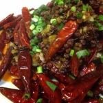 中華キッチンかなめ - 鶏のスペアリブ激辛唐辛子炒め